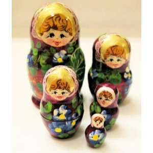 Russian Matrjoska   Wooden Doll Set of 5