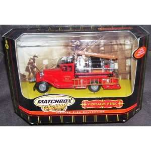 Collectibles 1932 Ford AA Vintage Fire Engine Diecast Replica #92581